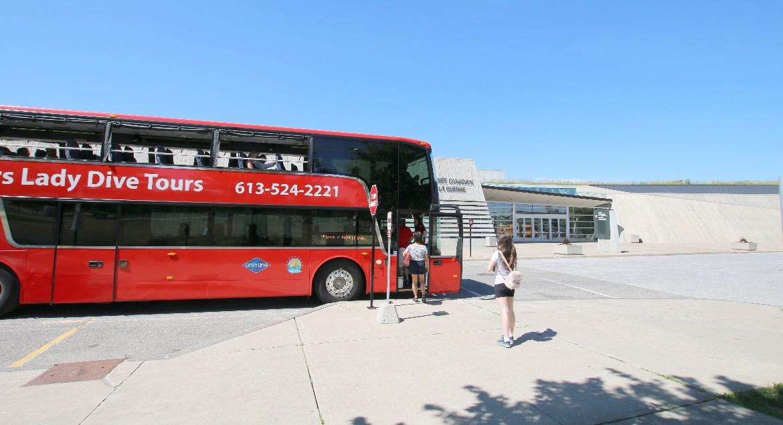 Sightseeing Bus at War Museum